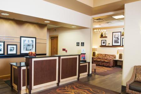 Hampton by Hilton | Deadwood Hotels | Front Desk