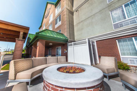 Country Inn & Suites by Radisson | Rapid City Hotels | Fire Pit